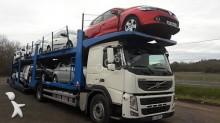 Zobaczyć zdjęcia Ciężarówka z przyczepą Volvo FM12 460