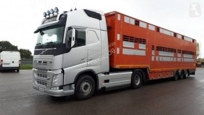 Volvo FH 540 tractor-trailer used livestock trailer