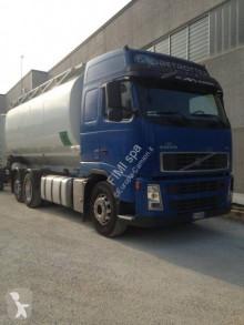 Ensemble routier citerne Volvo FH13 480