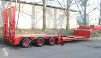 Goldhofer heavy equipment transport semi-trailer STZ -TL3-32/80 Goldhofer STZ-TL3-32/80 Nutzlast: 35 to., 5,85 m Tiefbett