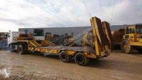 Kaiser extensible semi-trailer used heavy equipment transport