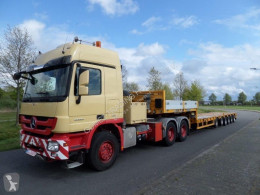 Goldhofer STZ-L6-60-80A semi-trailer used heavy equipment transport