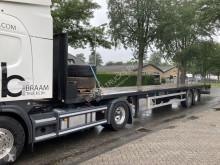 Kaiser flatbed semi-trailer 2 asser open met rongen en haken