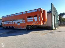 Náves príves na prepravu zvierat príves na prepravu hovädzieho dobytku Pezzaioli SBA32