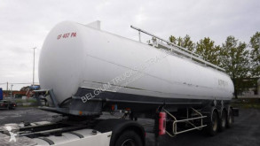 Trailor tanker semi-trailer hydrocarbures
