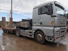 Heavy equipment transport semi-trailer TG460