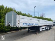 Semiremorca TecnoKar Trailers 13.66 platformă si obloane second-hand