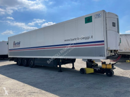 Yarı römork Schmitz Cargobull SEMIRIMORCHIO, FRIGORIFERO, 3 assi soğutucu ikinci el araç
