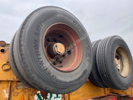 View images Fruehauf Skelet 20 ft semi-trailer