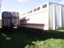 Trailor trailer used livestock trailer