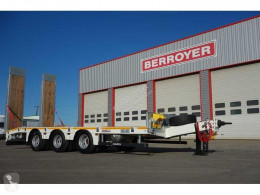 MAX Trailer heavy equipment transport trailer Essieux centraux