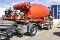 Rimorchio Liebherr BETON MIXER 12 M3+ Hulpmotor betoniera mescolatore + pompa usato