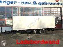 Reboque Möslein Tandemkoffer mit Ladebordwand furgão usado