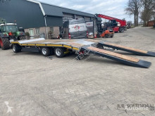 Scorpion heavy equipment transport trailer