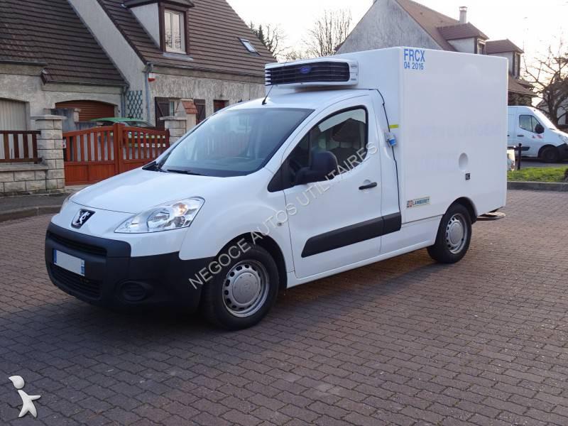 Voir les photos Véhicule utilitaire Peugeot Partner 1,6L HDI 90 CV