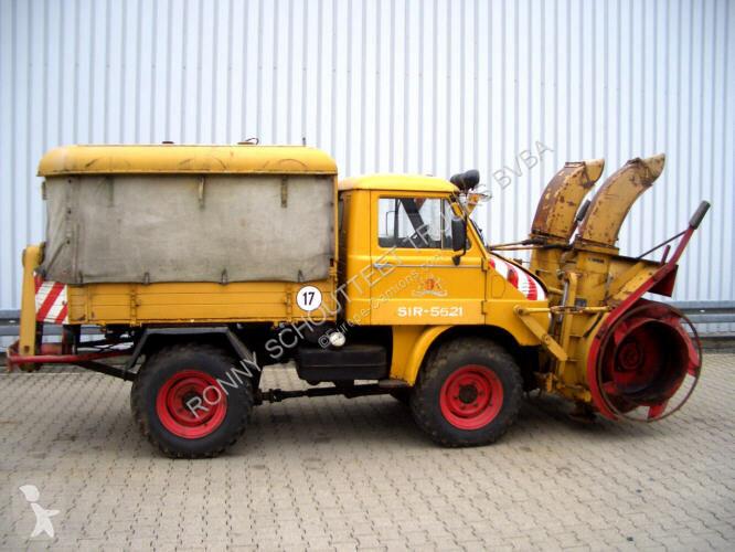 Vedere le foto Veicolo per la pulizia delle strade nc - 30 411 4x4 Unimog 30 411 4x4 Schneefräse mit Separatmotor