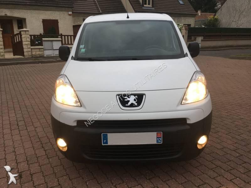 Bekijk foto's Bedrijfswagen Peugeot Partner 1,6L HDI 90 CV