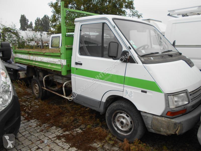 Voir les photos Véhicule utilitaire Renault Trafic