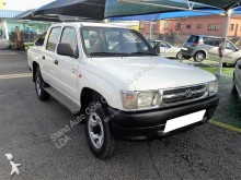 Toyota HiLux 2.4 TD masina pick-up second-hand
