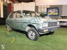Voiture berline Peugeot 104