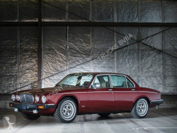 Voiture berline Jaguar Daimler Double Six Vanden Plas Daimler Double Six Vanden Plas