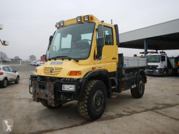 Mercedes three-way side tipper van U400