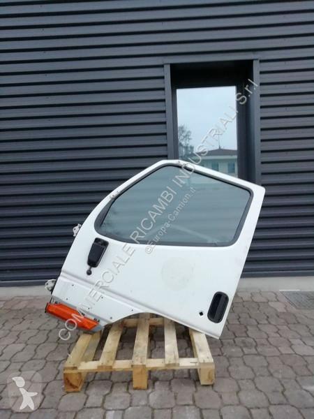 Zobaczyć zdjęcia Pojazd dostawczy Mitsubishi Canter