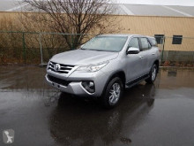 Toyota Fortuner TD2.4 AT 4x4 / SUV noua