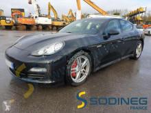 Voiture berline Porsche Panamera