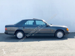 Veículo utilitário carro berlina Mercedes 200 E Limousine SHD/Klima/eFH./Wurzelholzdekor