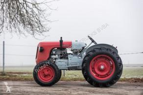Tractor agrícola tractora antigua Lamborghini Traktor DL25 Traktor DL25