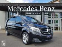samochód osobowy Mercedes
