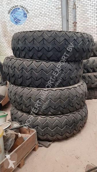 Ver las fotos Furgoneta Michelin 18.00 R25