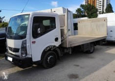 Utilitaire plateau Renault Maxity 140.35