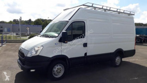 Fourgon utilitaire Iveco Daily 35S13V12