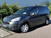 Fourgon utilitaire occasion Peugeot Partner 1.6 e-hdi ac 3-zits!