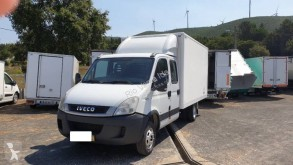 Utilitaire caisse grand volume Iveco Daily 35C18