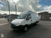 Fourgon utilitaire Iveco Daily 35S13V