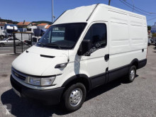 Fourgon utilitaire Iveco Daily 35S12