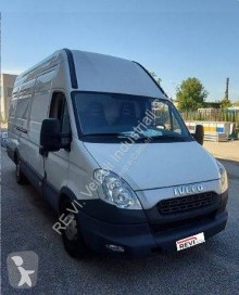 Fourgon utilitaire occasion Iveco Daily 35S15