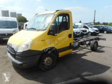 Utilitaire châssis cabine Iveco Daily 35S13