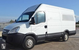 Fourgon utilitaire Iveco Daily 35S14D