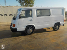Fourgon utilitaire Mercedes MB100D