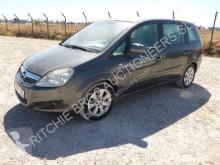 Masina berlină Opel Zafira
