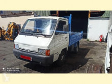 Nissan tipper van TRADE 100