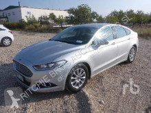 Voiture berline Ford Mondeo