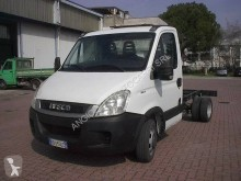 Utilitaire châssis cabine Iveco Daily 35C11