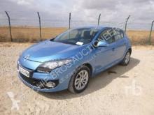 Masina berlină Renault Megane