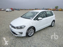 Voiture berline Volkswagen Golf
