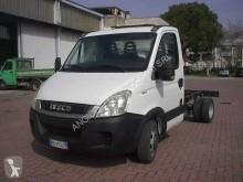 Furgoneta furgoneta chasis cabina usada Iveco Daily 35C11